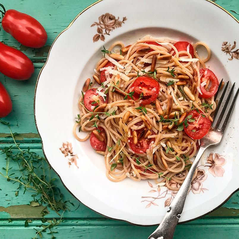 Emmer spaghetti med San Marzino tomater
